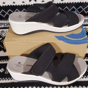 Clarks WEDGE SANDAL  Size 9 new in box